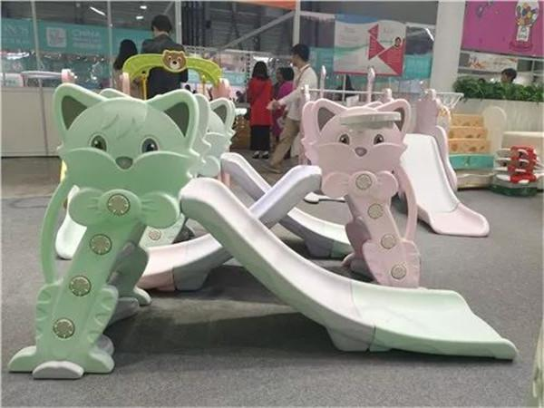易舍设计新产品亮相2017中国玩具和婴童用品展
