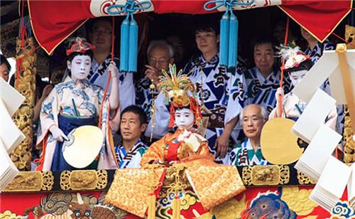 卡�_�_�v①�M世界之旅,��你近方大�L老�色一�距�x�w��e具�L情的日本民俗