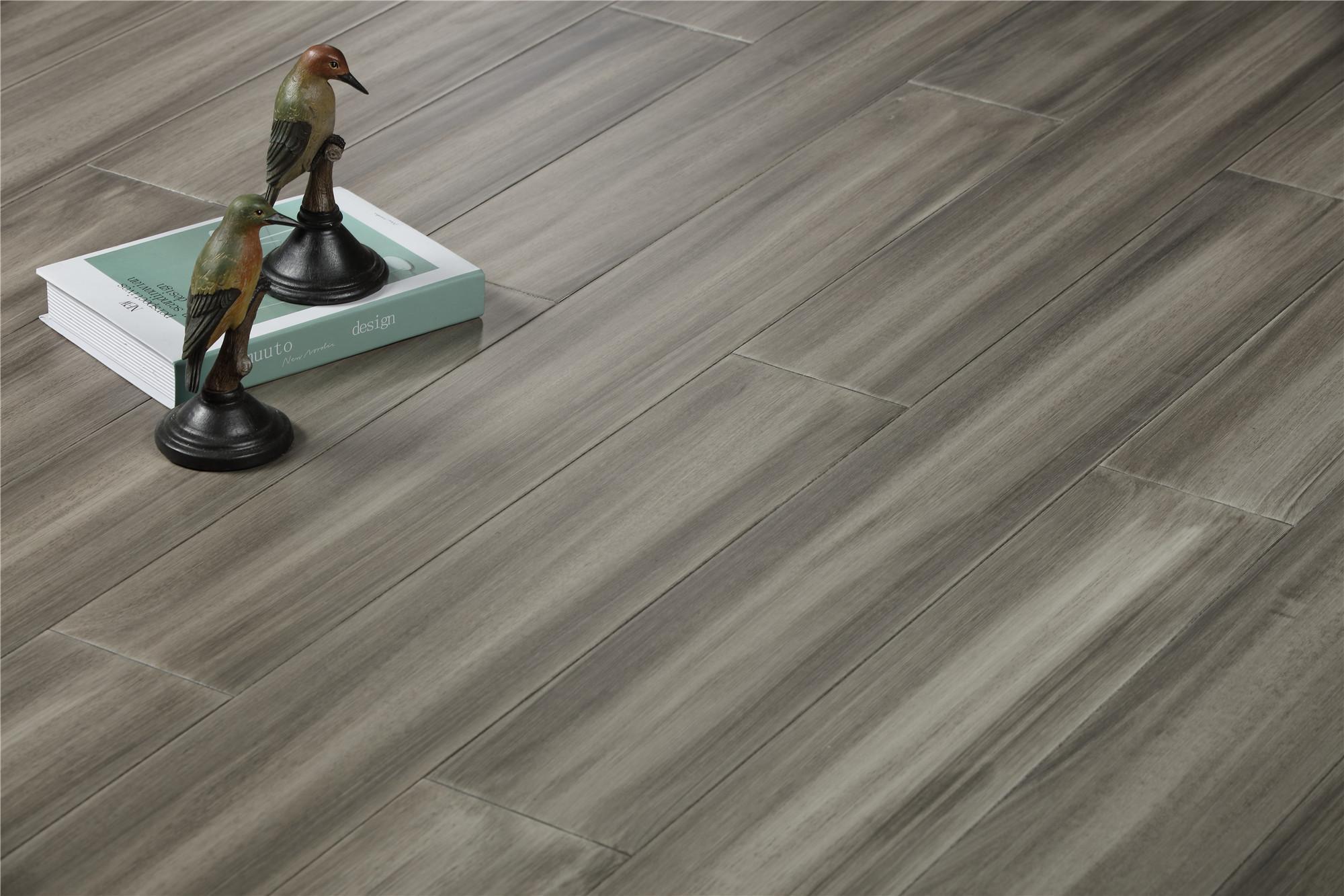 騰訊家居地板熱門產品推薦——未來家地板FHGLS013-02秋水長天
