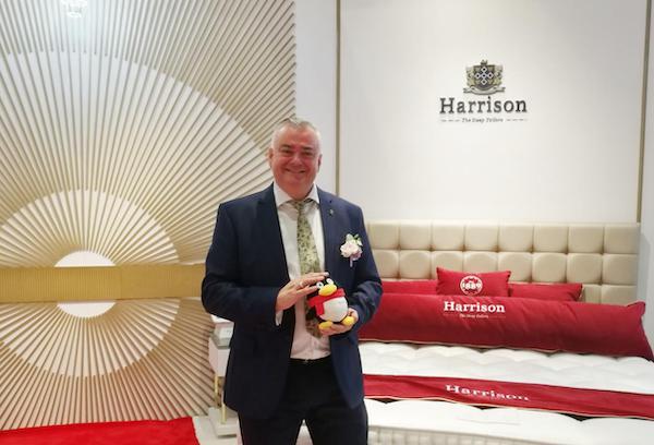 皇朝遇上英王室 谱写Harrison哈里森贵族生活传奇