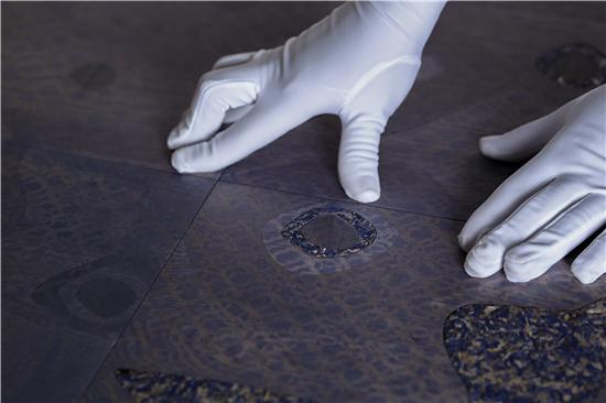 美学品质叫板实验室 | 书香门地定制可替换装美学地板突破行业局限
