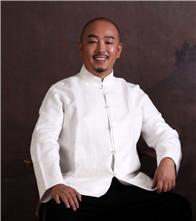 他是重构当代生活美学的实践者,如今到东莞只为实现设计梦想