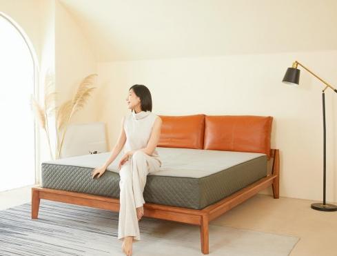 焦虑失眠现象普遍?用8H床垫享受良好睡眠