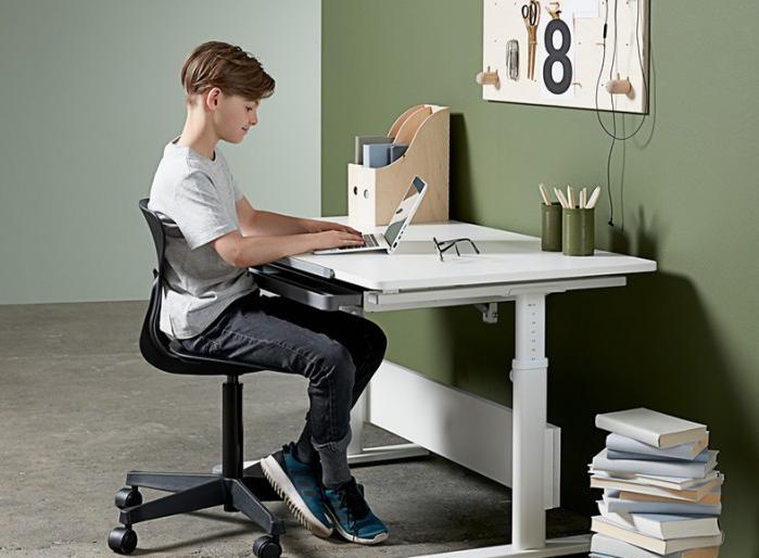 芙萊莎兒童學習桌椅 為孩子提供更舒適高效的學習空間