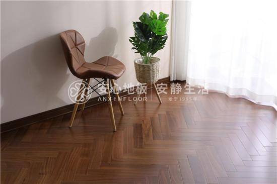 安心地板:超实用木地板保养技巧,你get到了吗?