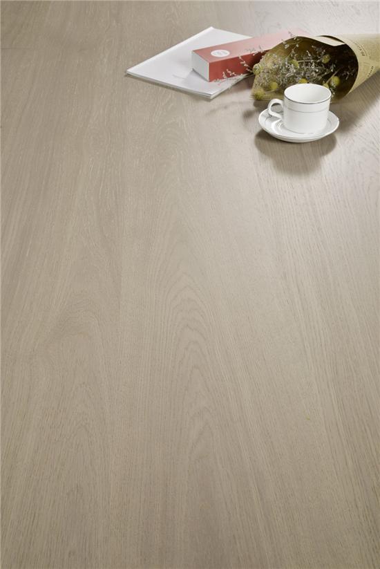 叫板实验室 金钢铂林Esta Parket三层实木地板单拼精品超哑光桑得橡木1-1420-3