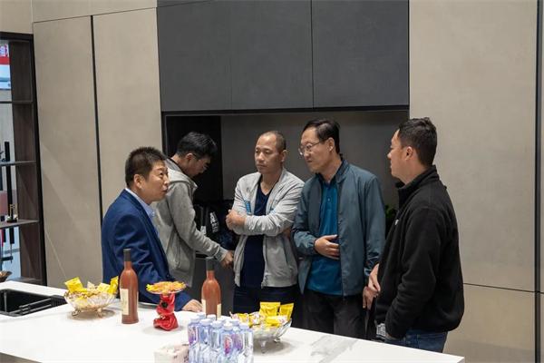 致国庆热烈绽放的礼花——华岩品致天津专卖店开业回顾