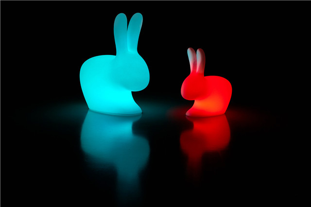 Qeeboo_Rabbit-lamp-outdoor-led-by-stefano-giovannoni-colors.jpg