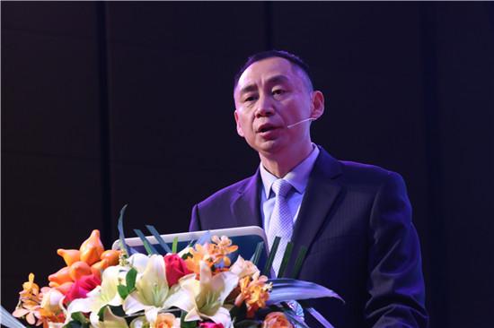 图三:金意陶集团副总经理兼国内营销中心总经理 胡杰演讲.JPG