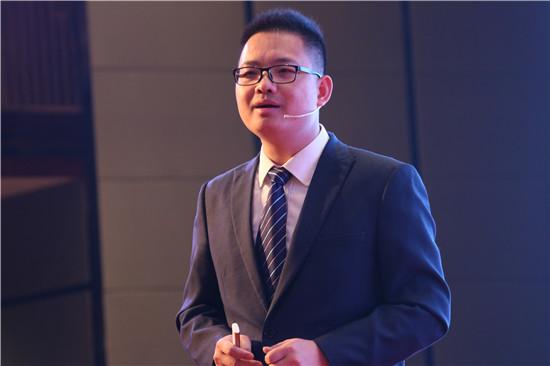 图四:金意陶国内营销中心副总经理兼国内业务部总监王夏阳演讲.JPG