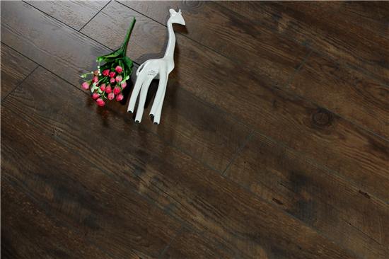 千年舟健康地板-强化地板Q9905.jpg