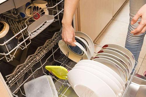 上半年洗碗机品牌增至73个,销售增速居厨电市场榜首