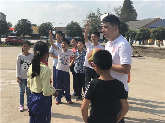 维意知识v知识走进岳阳湖南让大山孩子用高中读费用心意留学美国图片