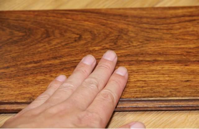 安享地暖 不怕甲醛 安信非洲花梨实木地板评测(1)482.jpg