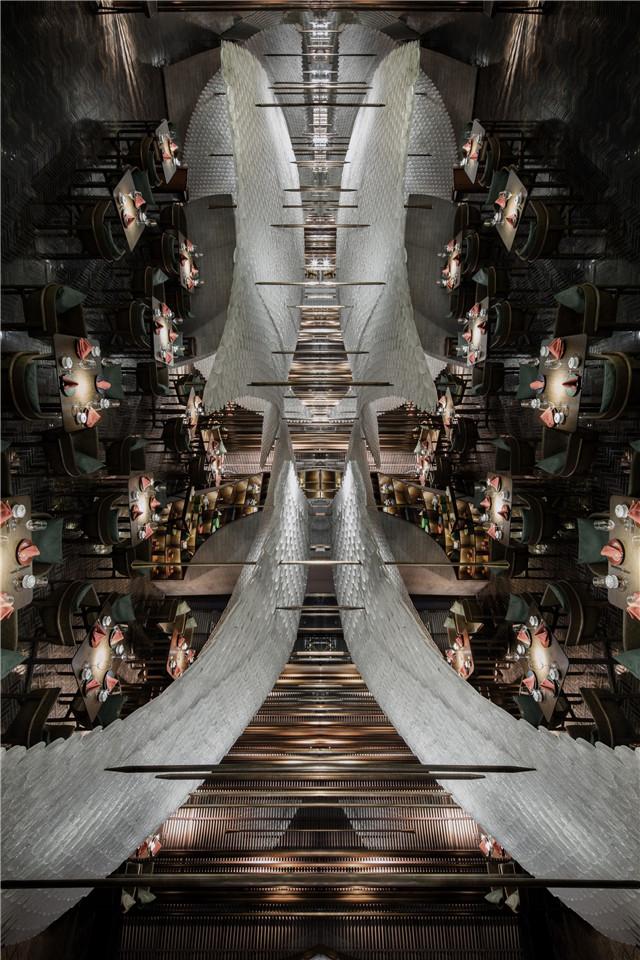 共和都市新作丨40万片琉璃鹤羽,打造主题餐厅新地标