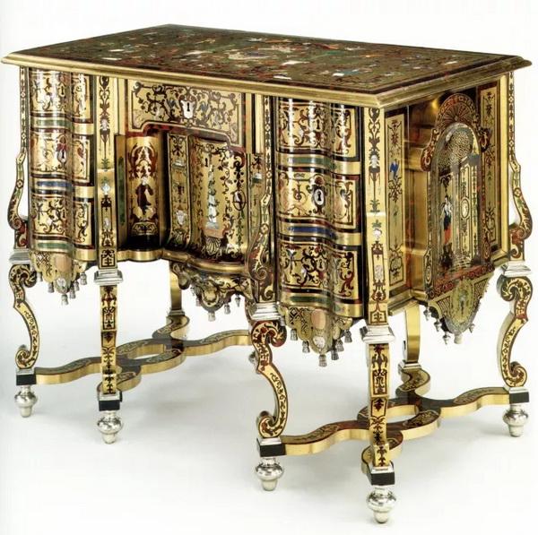 《家具史》第二版中展示的精美家具