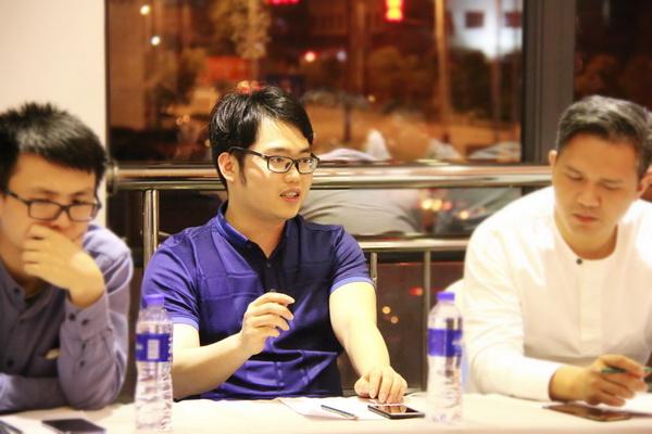 中山市大涌镇青年企业家协会副会长、中山富宝轩总经理张奕海在会上发言.jpg