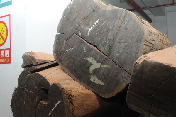 在御乾堂红木看来,精心选材、严格把控就是制造精品的第一步
