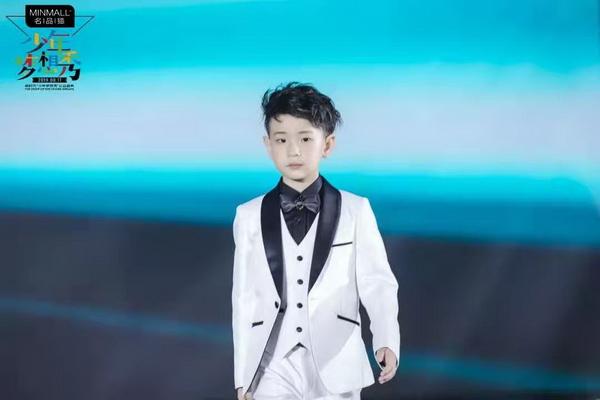 小小少年们在梦想的舞台上,将自己的才华尽情施展