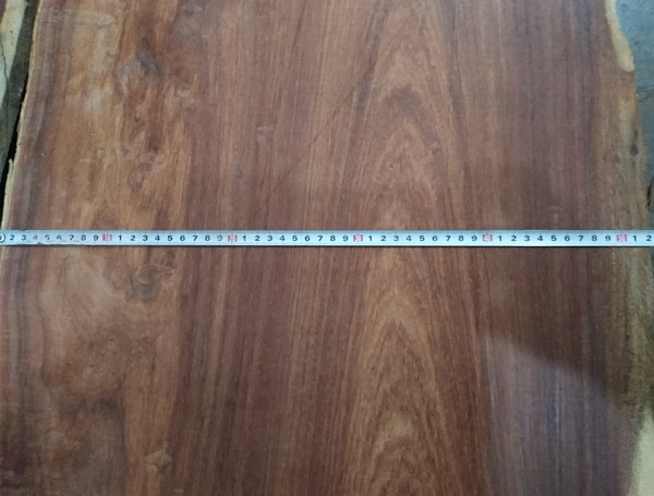 中信红木选材用料均采用50厘米直径以上的正宗大果紫檀原料.jpg