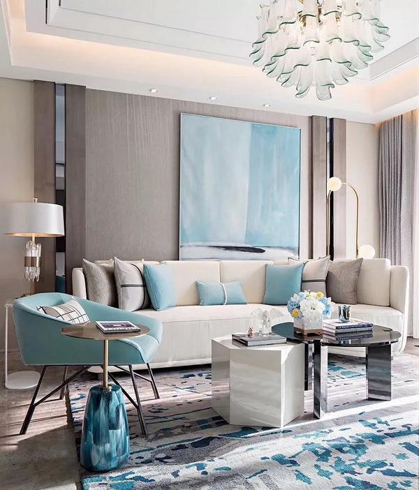 浅色调的蒂芙尼蓝,用点缀的方式,会让空间更具韵味、美感