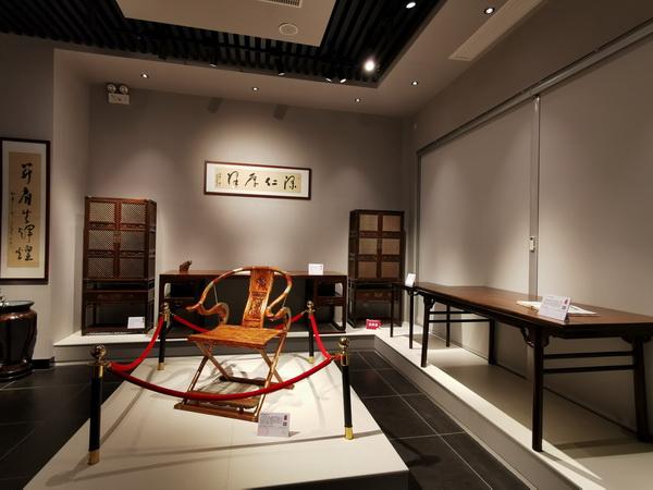 """鲁班木艺通过展览馆里的经典作品,让世界从明式家具开始""""读懂""""中国2.jpg"""
