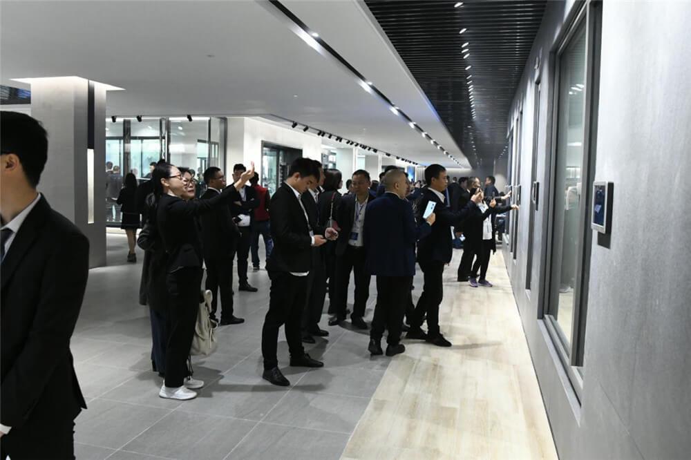 新豪轩门窗,高端定制,为爱筑家.jpg