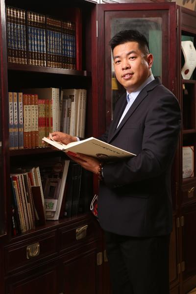 图4 中国红木消费权益保障工程(广东)主任尹付林.png