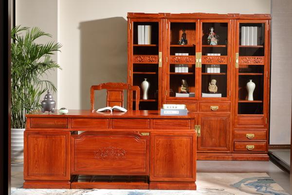 家中书房可摆放一个香炉,阅读书写中增加几分乐趣(中信·前言《和家欢写字台书柜》).JPG