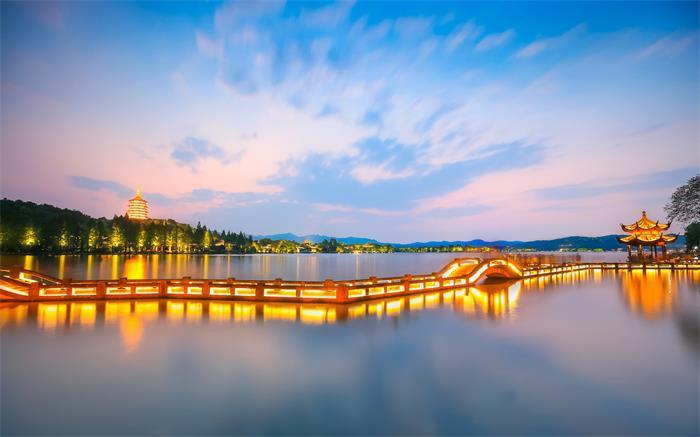 摄图网_500565596_banner_西湖夜景(企业商用).jpg