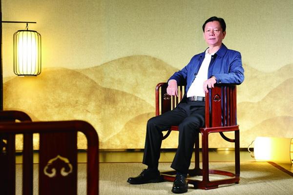 锻造优游注册平台国新明式红木品牌 陈国寿携国寿椅走向世界