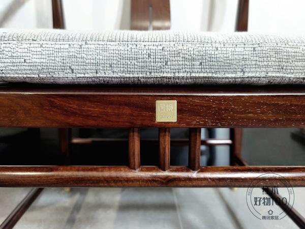 纯黄铜五金配饰的运用为家具灌注奢美风情