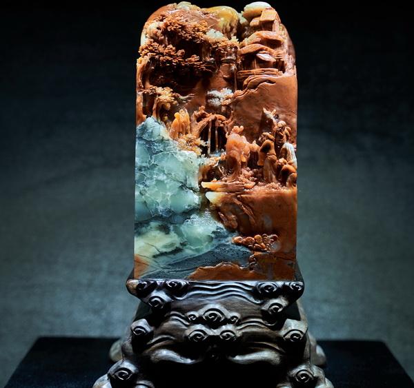 富达平台官网注册当泰和园丝翎檀雕与中国名石相遇擦出绝美艺术火花