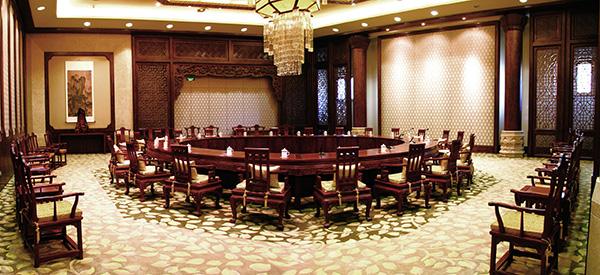 中信红木经典工程代表——无锡灵山梵宫会客厅.jpg