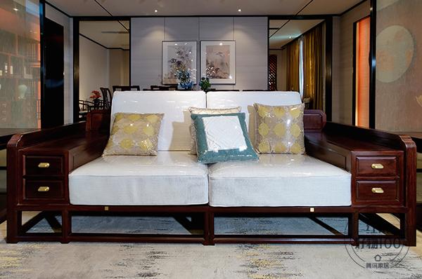 《君道沙发》整体造型偏于方正,体现出坦荡正直的君子精神