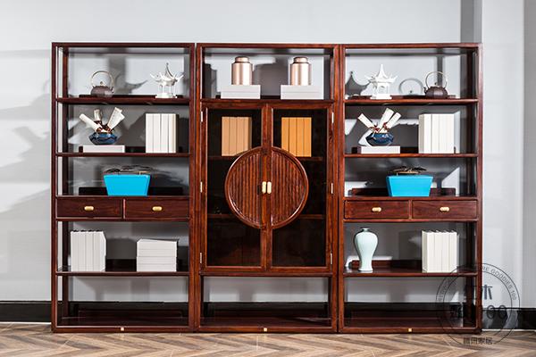 書柜簡潔的外表之下透著更具韻味與意境的文雅之風