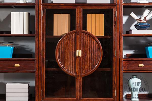 """書柜在外觀設計層面上帶入了""""天圓地方""""設計理念"""